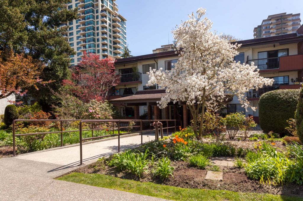 #301 - 620 Eighth Ave, Uptown - R2260206 Image